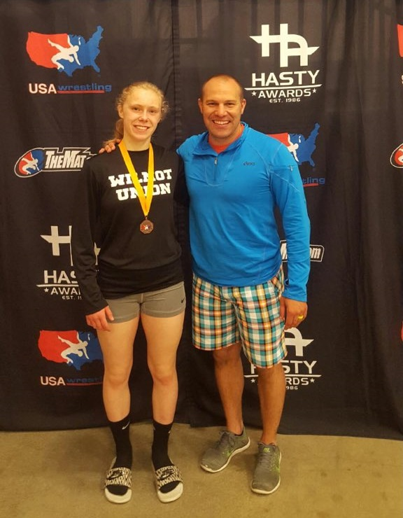 Wilmot's Keen takes fourth in wrestling nationals
