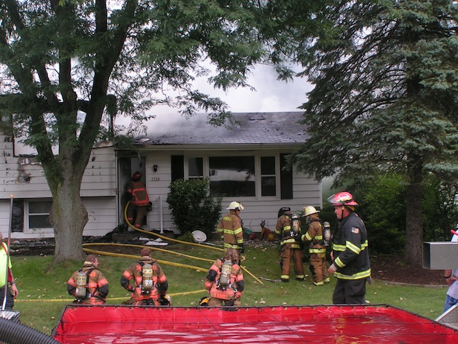 BREAKING: Multiple agencies respond to Twin Lakes home fire