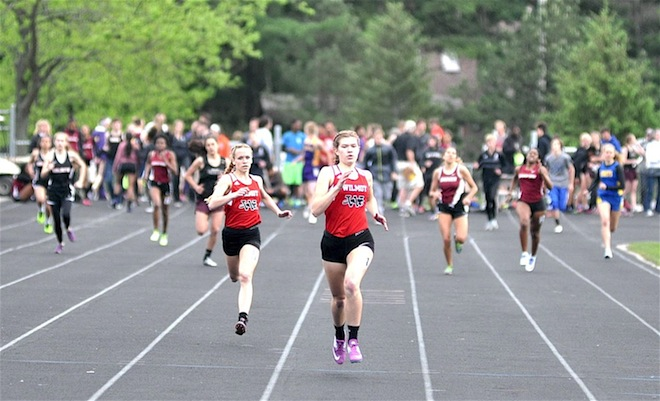 WIAA SECTIONAL TRACK: Four event winners, multiple state qualifiers