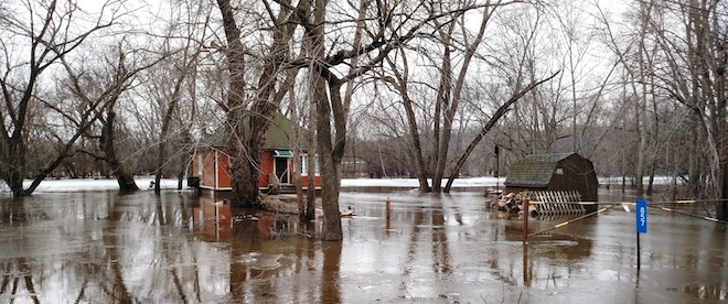 Moderate flooding along the Fox River, warning extended