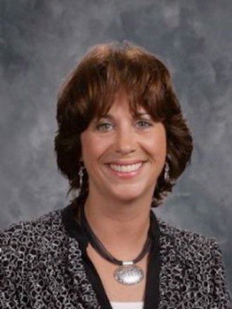 Lakewood officially approves new administrator